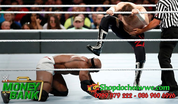 #7 Bobby Lashley vs. Sami Zayn (Money in the Bank)